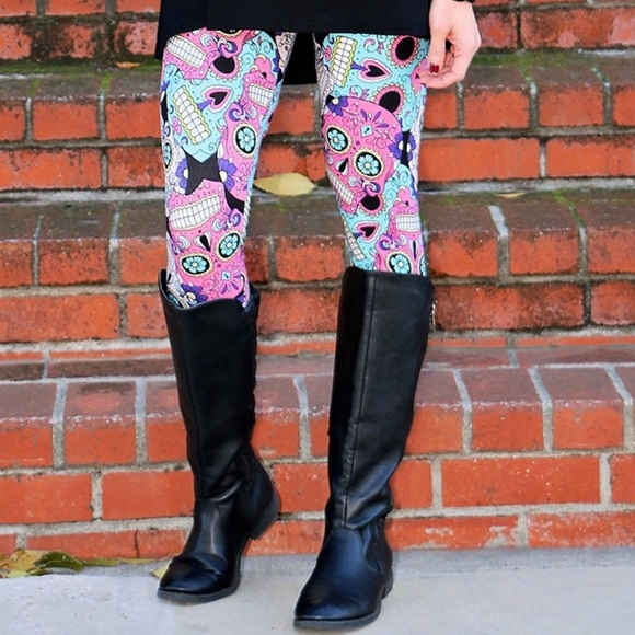 89e64e8e6bb PLUS Size Sugar Skull Skeleton Halloween Leggings